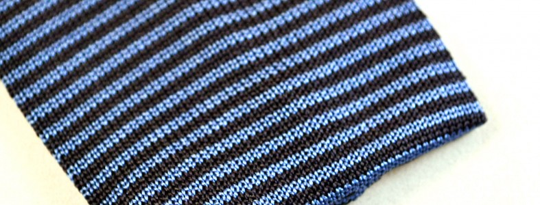 Gallo silk knitted tie detail view - navy / airforce blue